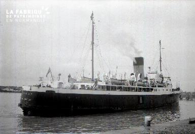Granville  A Bateau dans le port