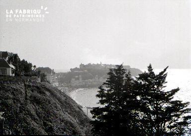 Granville B Le casino vu des falaises 1