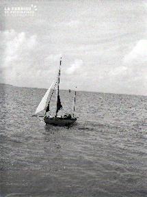 Granville B Le voilier 1