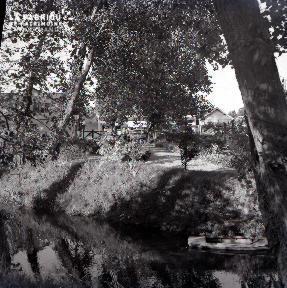 Granville D au bord de la rivière