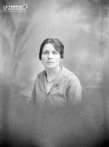 B004 Portrait femme 3
