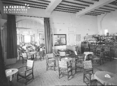 B007 Jullouville Hotel du Casino 3