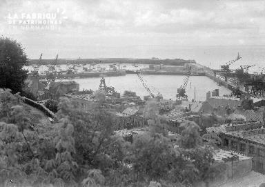 B007 Vue générale du port