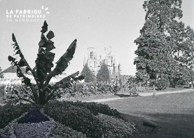 B008 Avranches jardin public 2