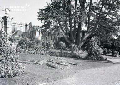 B008 Avranches jardin public 4
