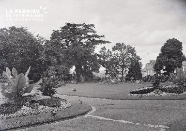 B008 Avranches jardin public 5