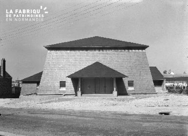 B009 Donville, église Notre-Dame-de-Lourdes 1960 4