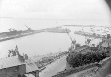 B009 Granville vue sur le port