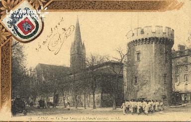 cl 01 102 Caen la tour Leroy et le marché couvert