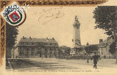 cl 01 103 Caen- place alexandre III, la Caserne Hamelin et le monument