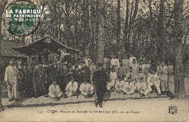 cl 01 107 Caen- groupe de Soldats du 36ème de ligne (Chateau de Caen)