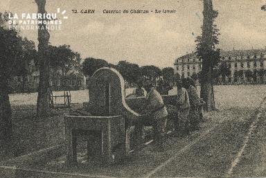 cl 01 137 Caen la caserne du chateau - le lavoir