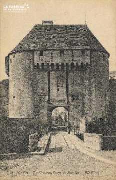 cl 01 141 Caen le château, porte de secours