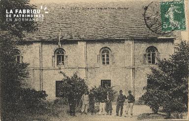 cl 01 142 Caen salle des fètes du vieux château