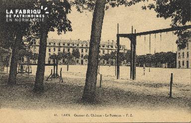cl 01 146 Caen caserne du château-le portique