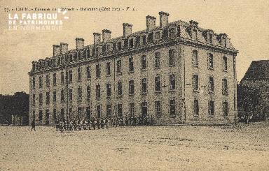 cl 01 152 Caen caserne du château- batiment côté est