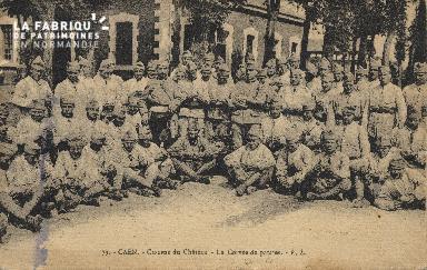 cl 01 154 Caen caserne du château- la corvée de patate