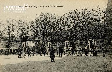 cl 01 191 Caen- exercices de gymnastique à la caserne Hamelin