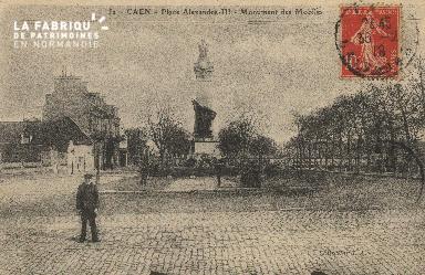 cl 01 204Caen place Alexandre II- Monument des mobiles