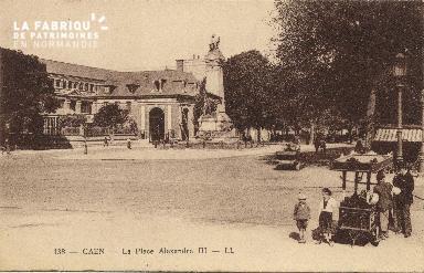 cl 01 209 Caen- la place Alexandre II