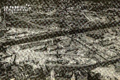 cl 02 013 Vue partielle de Caen en 1952