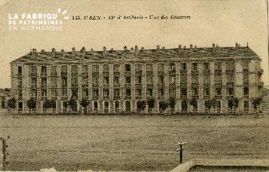 cl 02 055 Caen La 43ème d'Artillerie  -Une des caserne
