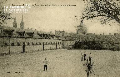 La cour d'honneur de la caserne de Remonte de Caen