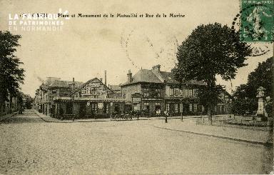 cl 02 081 Caen- Place et Monument de la mutualité et rue de la Marine