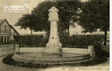 cl 02 082 Caen- Monument de la Mutualité