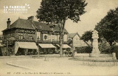 cl 02 084 Caen- la place de la Mutualité et le Monument