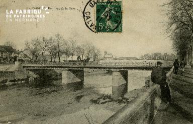 cl 02 099 Caen- Le pont rue de la Gare