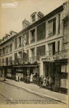 cl 02 119 Caen - La rue de Vaucelles et l'Hotel St-Michel