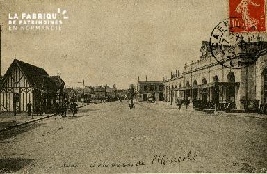 cl 02 192 Caen - La place de La gare