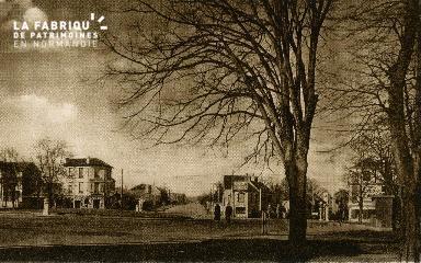 cl 02 227 Caen- place de la Demi-Lune
