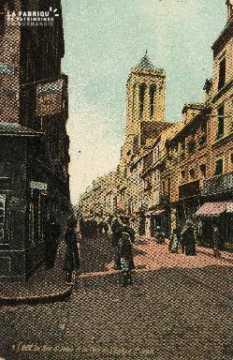 cl 03 049 Caen - La rue St-Jean et la tour de l'église St-Jean