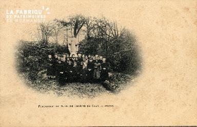 cl 03 104 Caen, Monastère de la Charité- Jardin
