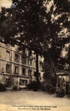 cl 03 146 Caen- Pensionnat St-Jean, rue des Carmes - coin de la cour d