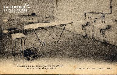 cl 03 173 Caen - clinique de la miséricorde- une des salle d'opération