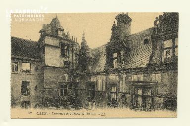 Cl 04 108 Caen- Lucarnes de l'Hôtel du Than
