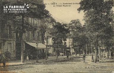 Cl 04 124 Caen- Le boulevard St-Pierre et l'Hôtel Moderne