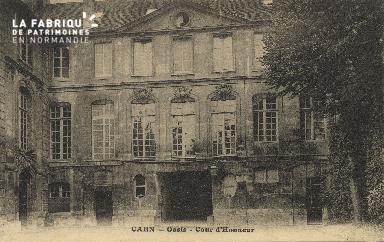 Cl 04 184 Caen- Oasis - Cour d'Honneur