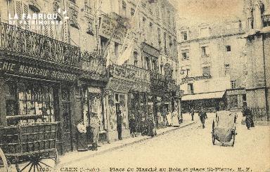 Cl 04 295 Caen- Place du marché au bois et place St-Pierre