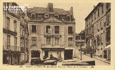 Cl 04 298 Caen- Place du marché au bois et l'Hôtel de la victoire