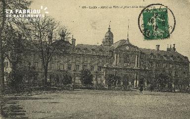 Cl 05 005 Caen- Hôtel de ville et place de la république