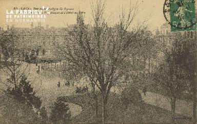 Cl 05 012 Caen- Vue panoramique du square et de la place de la républi