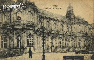 Cl 05 106 Caen- Façade de l'Hôtel de ville
