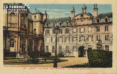 Cl 05 107 Caen- Le musée cour interieur