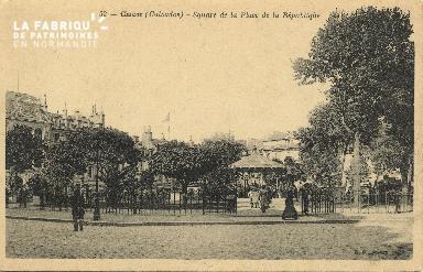 Cl 05 115 Caen- Square de la Place de la république