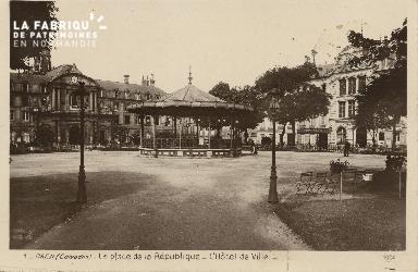 Cl 05 119 Caen- Place de la république- L'Hôtel de ville