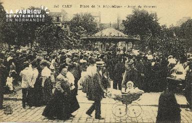 Cl 05 123 Caen- Place de la république- Jour de concert